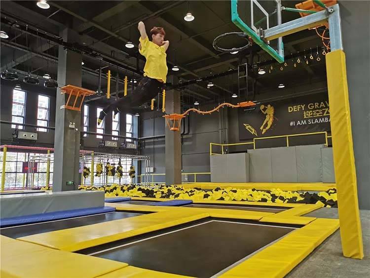 【上海】暑期畅玩!39.9元抢斯篮搏体育运动中心1大1小亲子票!超长有效期!20多种游乐设施畅玩不限时!无需预约!