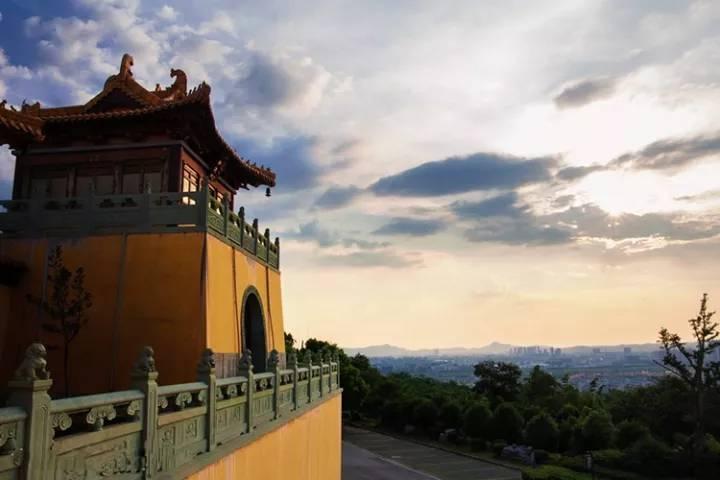 周边景点——方山风景区方山,因像一个巨大的印章又被称为天印山.