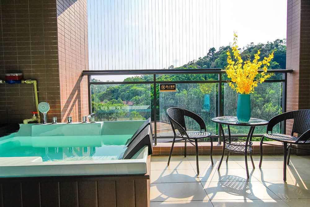 【惠州】买一送一,299抢豪华温泉泡池大/双床房2间,超长使用期,带上家人一起约泡吧