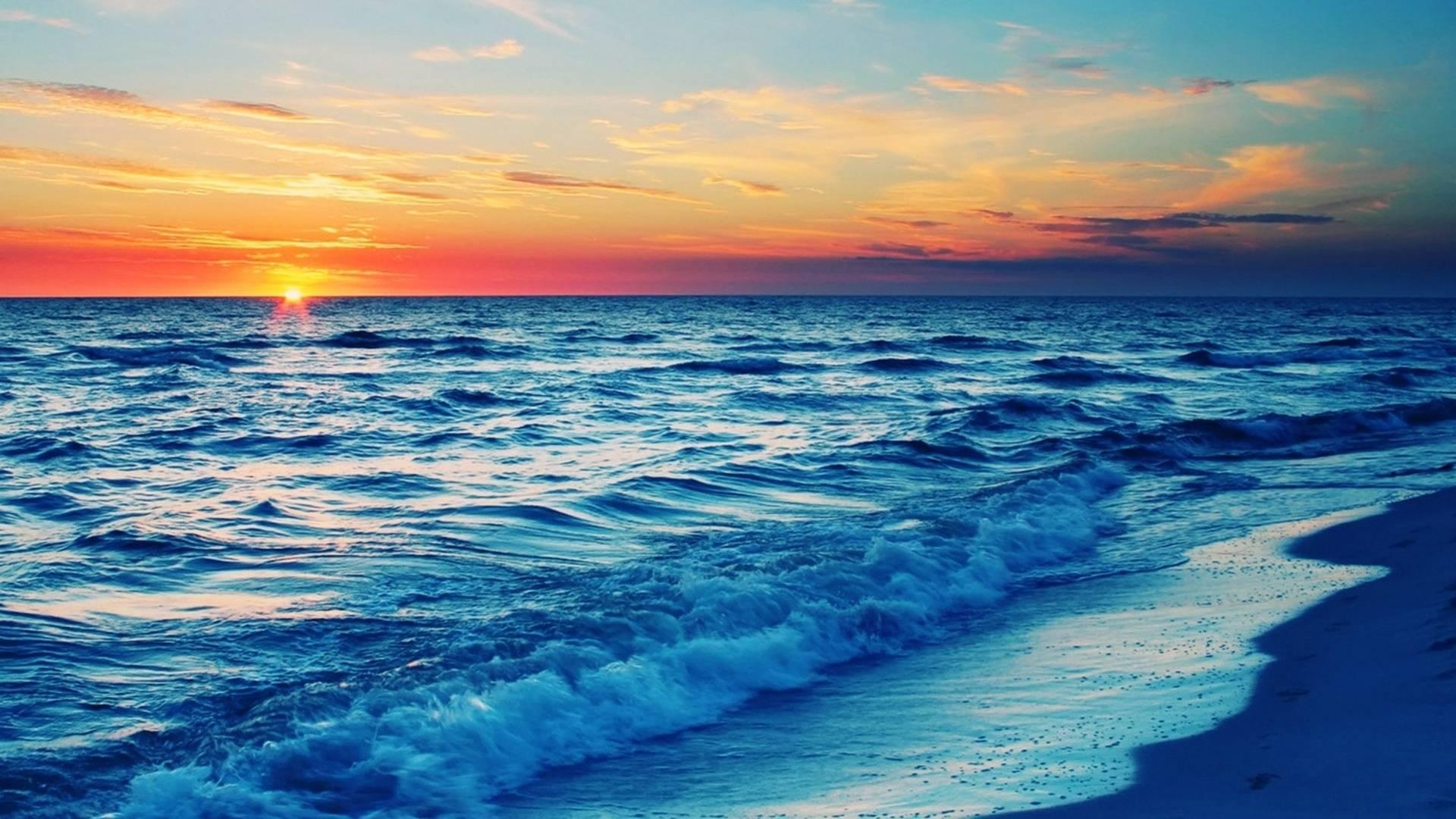 可入住【惠州】下楼就是海,五一、端午一口价,288抢融创一线豪华海景房,这里不限行,一起来海边看日出吧~