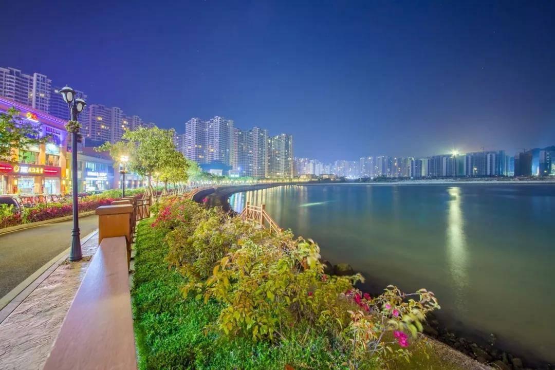 【惠州】旅游大特惠!188元抢购惠州十里银滩梵高的海两房两厅!七个月平日周末不加收!湛蓝的海水,轻柔的海风,先抢先得