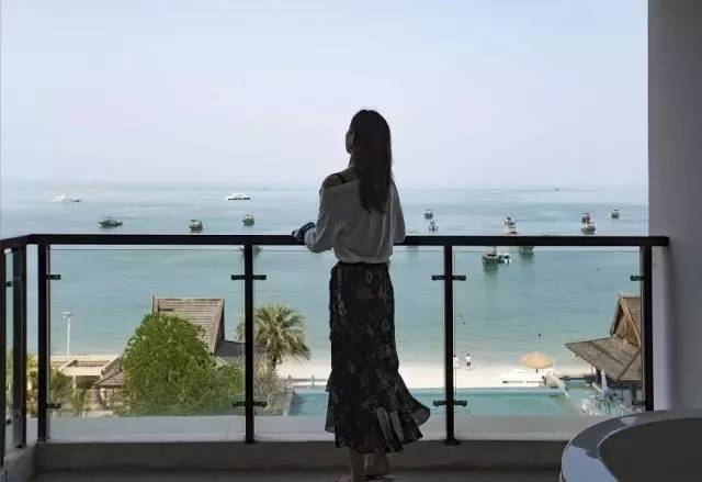 【惠州】下楼就是海,户户观景大浴缸!含双人无边际泳票,199入住六悦·海尚湾畔酒店,畅游中国马尔代夫。