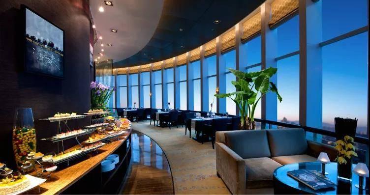【东莞】五星级,1088元抢厚街国际大酒店,住精英客房+东瀛日本料理/360°旋转餐厅自助晚餐+西式自助早餐