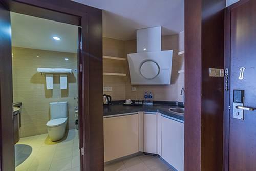 【惠州】下楼就是海,户户观景大浴缸!含双人早餐+双人无边际泳票+双人冰雪乐园,199入住六悦·海尚湾畔酒店,畅游中国马尔代夫。