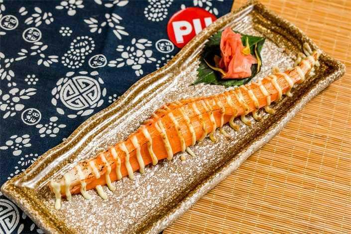 88元抢【津田道日本料理】2-3人餐,刺身拼盘+寿司+鳗鱼炒饭+滋味烧青鱼+饮品!浓郁和风,原始食材,满足挑