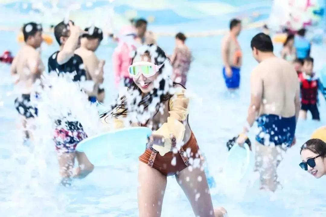 【广东·惠州】来了!博罗莲湖水上乐园开园啦!【成人票49.9元】速抢!让欢乐水世界冲走炎热~尽情浪~游泳、玩水、冲浪、惊险刺激又好玩~