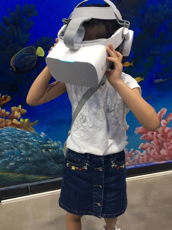 【大鹏·亲子】29.9元抢深圳大鹏亲子海洋研学馆2大1小套票:三大海洋生态系统+海洋生物标本+海洋影片+VR潜水体验+领取证书,一次快乐的研学之旅!