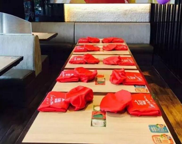 【深圳南山】周末带上孩子来一次美食DIY吧,89元/1大1小必胜客专享DIY超级至尊披萨套餐,带上你的萌娃来必胜客探索吧!让宝贝尽情发挥DIY出属于自己的美味~(周六、周日专用)